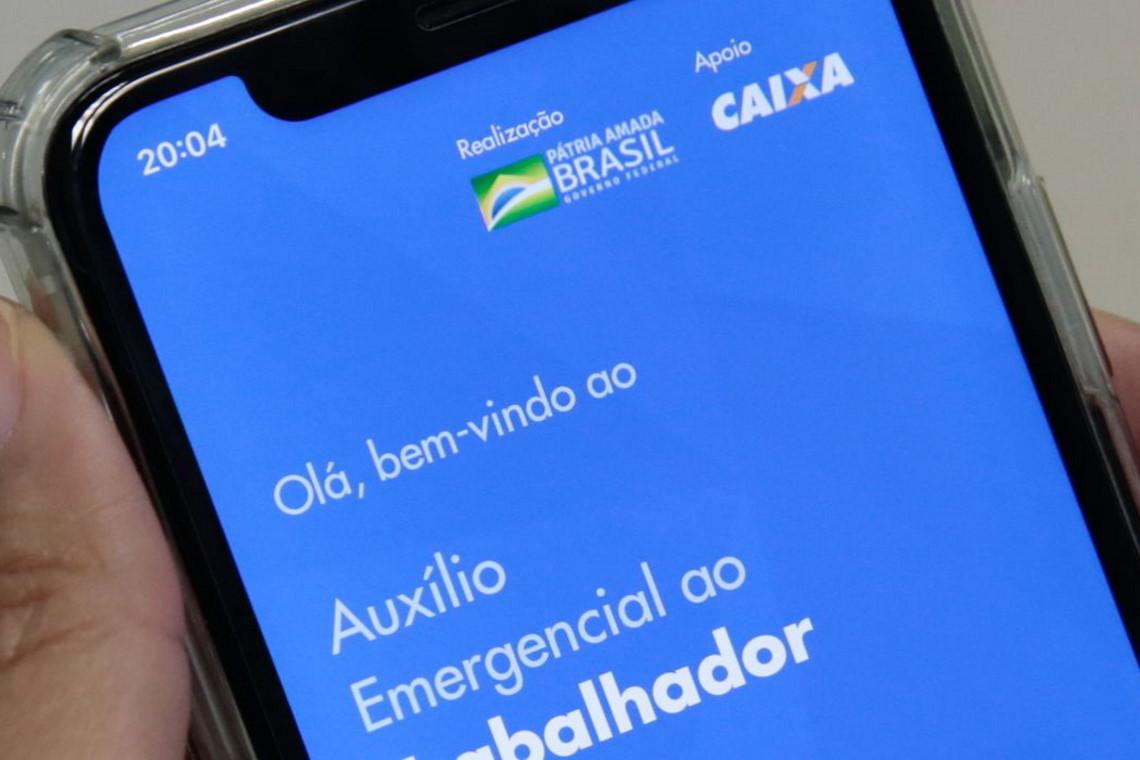 Barreiras lidera lista de funcionários municipais que receberam auxílio de forma irregular